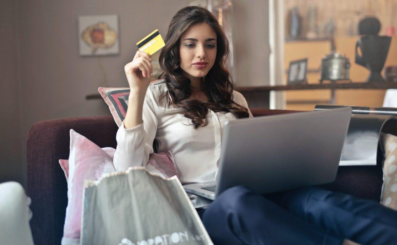 Jak prawidłowo i bezpiecznie robić zakupy w Internecie?